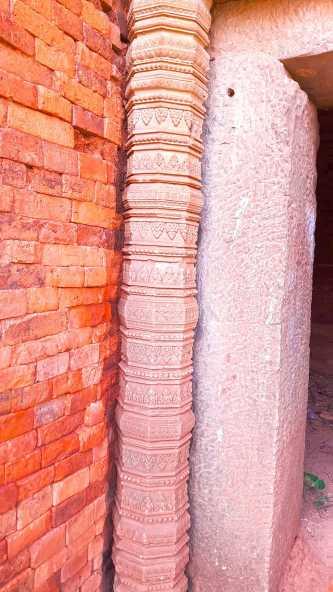 East Snoeng Temple