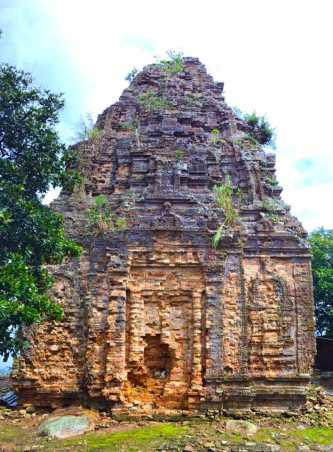 Phnom Bayang Temple
