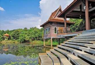 Bronze Lake Resort