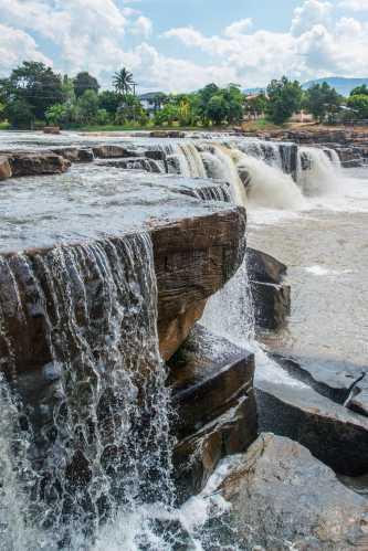 Poi Waterfall
