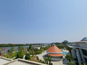 Castle Bayview Resort & Spa