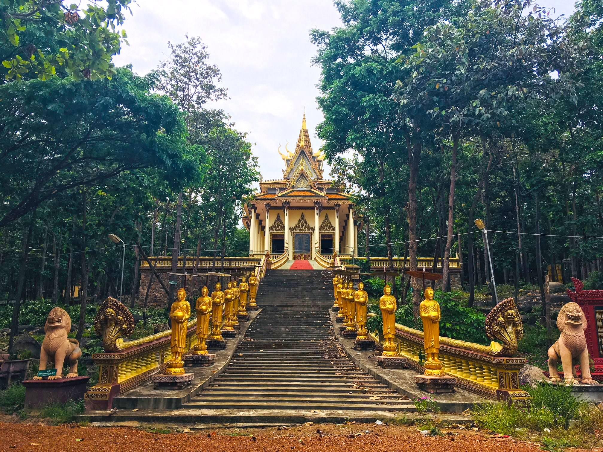 Phnom Baktra Pagoda
